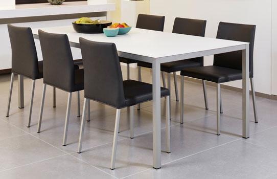 Set cobra gaudi tafels en stoelen meubelen gies okegem - Tafel en stoelen dineren ...